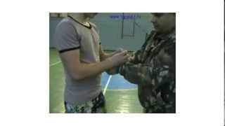 Освобождение рук от пластиковых наручников(, 2013-12-08T18:13:39.000Z)
