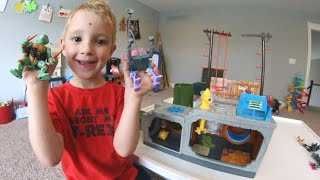 Father & Son GET AMAZING PLAYSET! / Ninja Turtles Sewer!