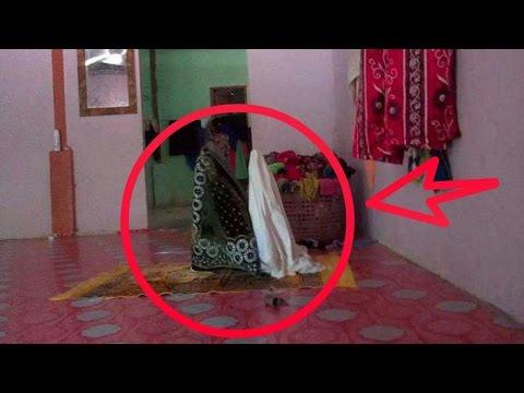 Subhanallah   !!!! Sajadah dan Mukena Berdiri  Seperti mau Sholat     !!!!