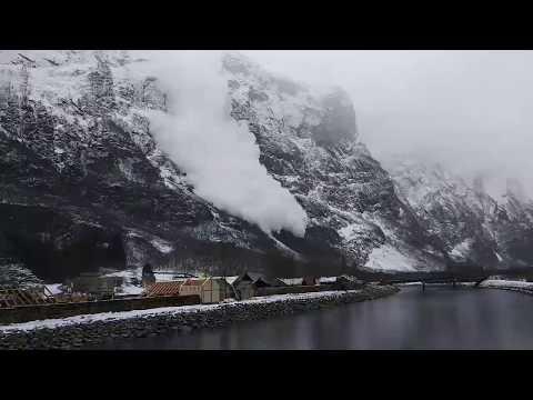 HUGE AVALANCHE l Sogn og Fjordane l Gudvangen l NORWAY l 2018