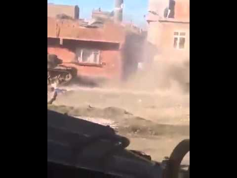 Turkish state attacked Kurdish cities and Shelling it with tanks..