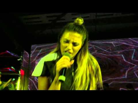 Antonia-Chica Loca Live