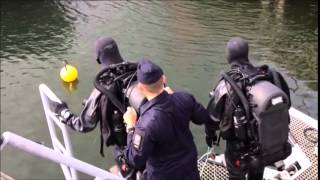 IS-MIX rebreather being demonstrated by Swedish Navy divers