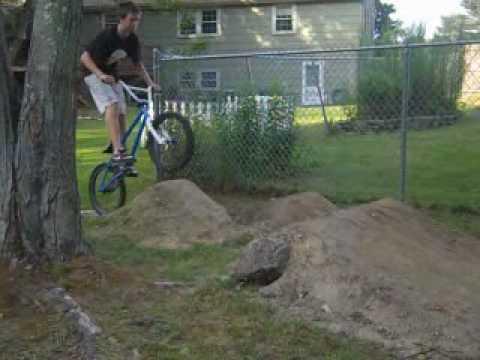 backyard dirt jumps - YouTube