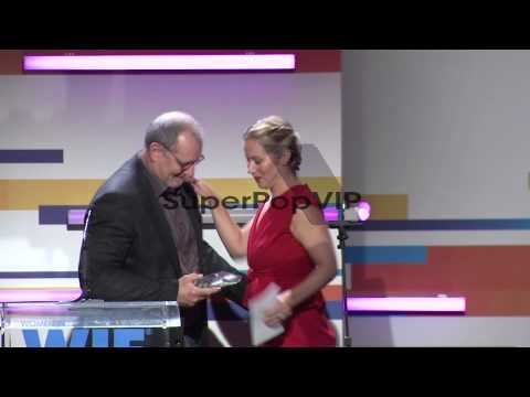 SPEECH: Ed O'Neill and Christina Applegate at the 2012 Wo...