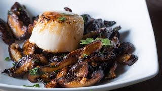 Sautéed Shiitakes With Scallops