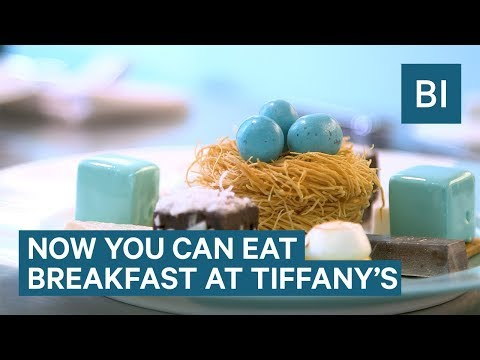 What It's Like To Have Breakfast At Tiffany's