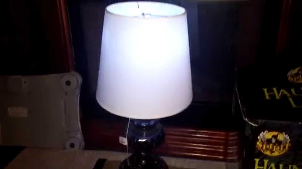 "animated haunted lamp prop review (""13 days until halloween 2015"