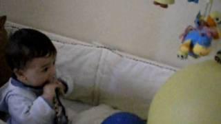 bebekler muzik sever