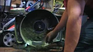 Etishmovchiligi va haydovchi ta'mirlash uchun asosiy sababi o'z-o'zini propelled maysa eyishga benzinli