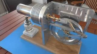 moteur Stirling gamma bicylindre en V
