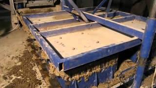 Универсал Строй - производство блоков, бордюра, кирпича, плитки(Работа с установкой Универсал Строй. На данной установке можно производить: строительные блоки и бордюр..., 2011-02-04T13:14:34.000Z)