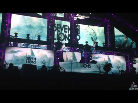 Seven Lions performing Bang by 3LAU, Tiesto Remix at EDC June 21 2014