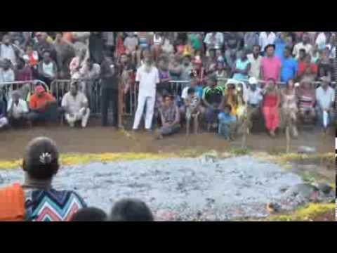 Marche sur le Feu Saint-Pierre Tanambo 2014 (Île de la ...