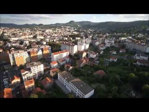 Survol de Clermont-Ferrand,  Puy-de-dôme, en montgolfière