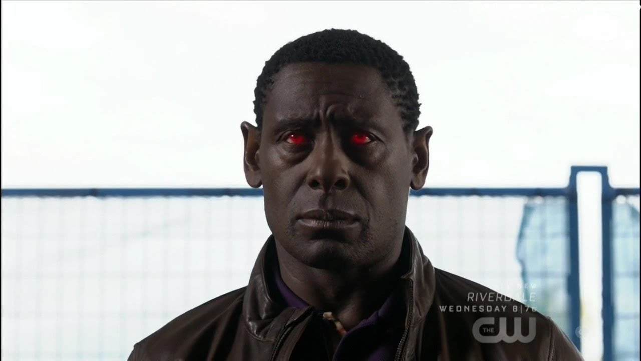 Supergirl 4x04 J'onn tries to save Fiona scene