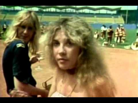 Fleetwood Mac - Tusk (Dodger Stadium with the USC Trojan Marching Band - 1979)