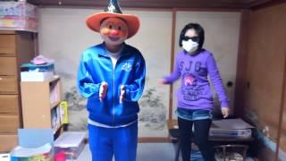 正義の味方アンパンマンと、黒メガネのハンターが踊るラッスンゴレライ...