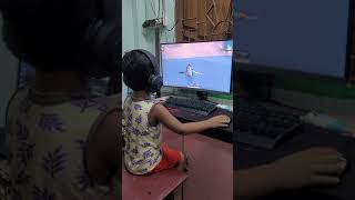 4 years old kid Playing Pubg Mobile