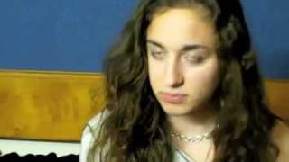 591. Girl makes animal sounds - Best.mp4