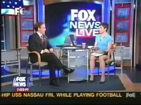 Fox News Reporter- Uncrossed Legs WOW! - http://film-book.com ...
