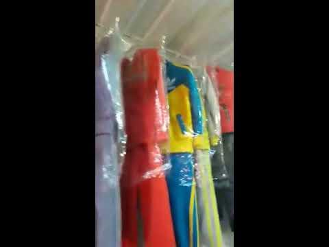 Распродажа детской одежды костюмы, куртки, шорты, джинсы