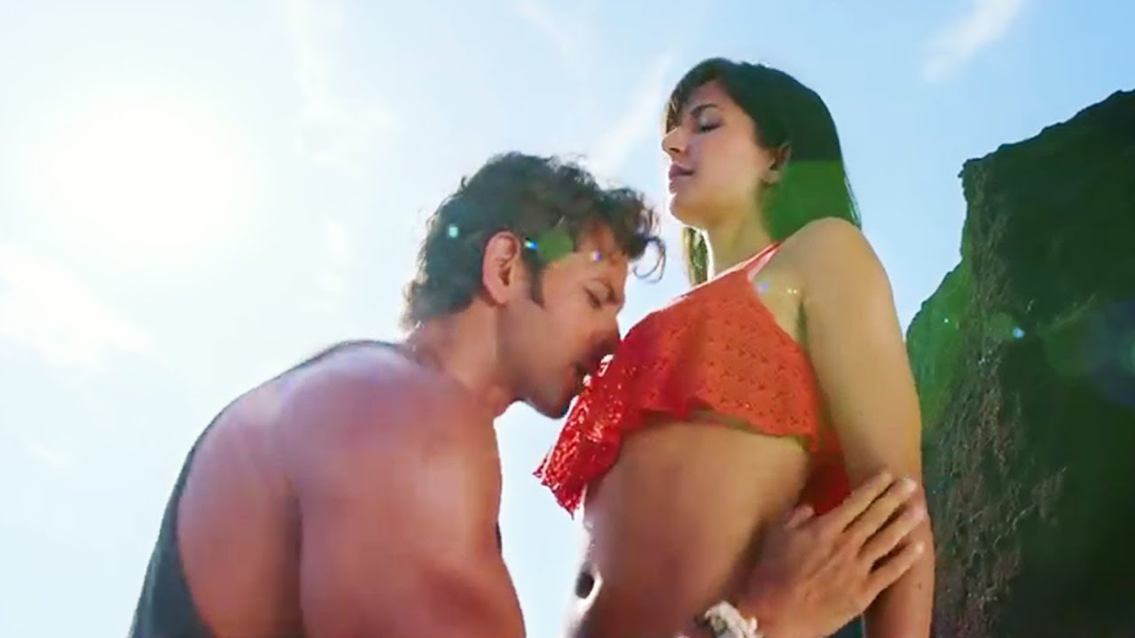 Katrina Kaif Big Boobs Press By Hrithik Roshan  Katrina -6338