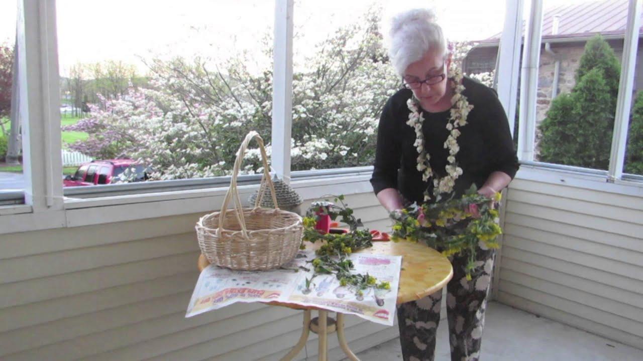 How to make garlands hawaiian leis from fresh flowers youtube how to make garlands hawaiian leis from fresh flowers izmirmasajfo