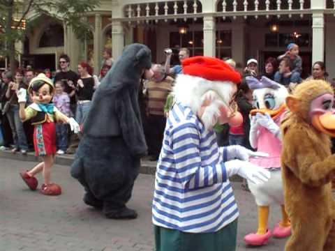 Disneyland Paris Halloween Parade october 2006