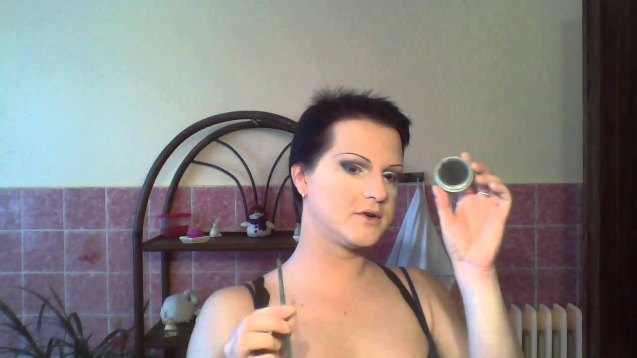 girl-transsexuelle-wet-vagina