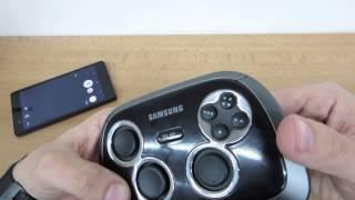 Herní ovladač: Samsung EI-GP20HNB.