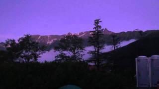2011.8/1 朝4時半。常念小屋テント場から見た、槍と常念岳。気持ちがい...