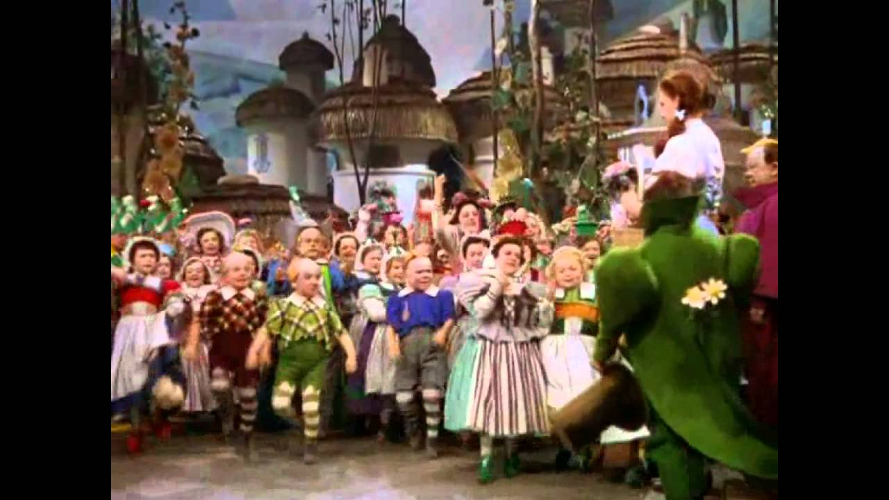 the wizard of oz dorothy and the witches in munchkinland