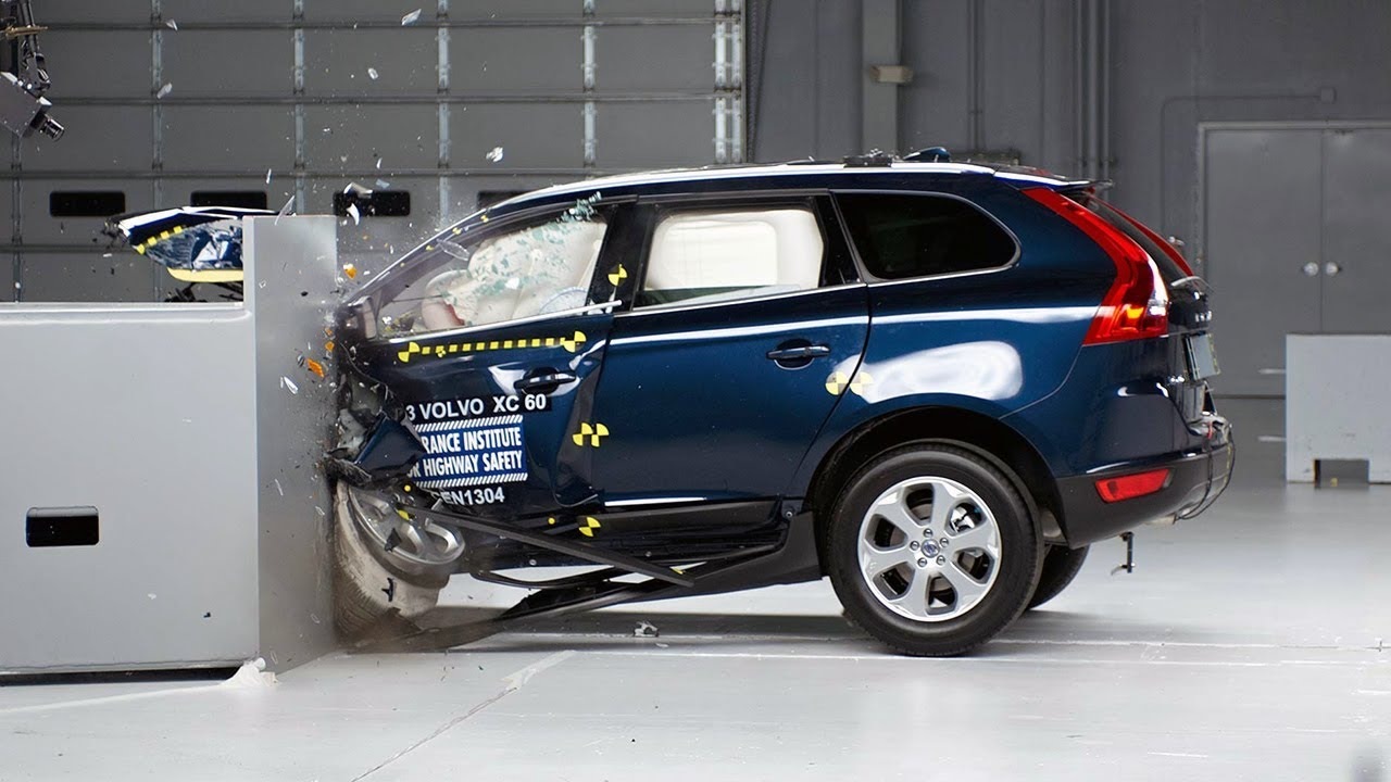 2013 volvo xc60 driver side small overlap iihs crash test. Black Bedroom Furniture Sets. Home Design Ideas