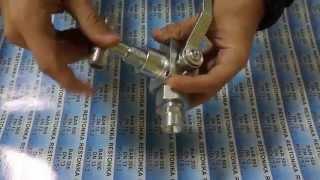 видео Кран шаровой нержавеющий 3-х ходовой Г-Т образный