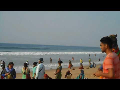 Puri sea beach travel video enjoying sea bathing.