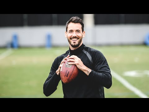 Roman Bürki meets CAM NEWTON  BVB Keeper joining NFL Club