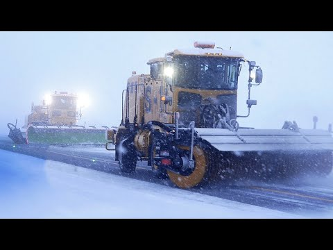 Extreme Airport Snow Plowing | Aomori's White Impulse Story ★ ONLY in JAPAN