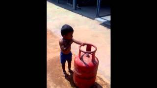 WhatsApp Funny Videos 2015   Unbelievable Child Try To Take Cylinder   WhatsApp Funny VideosVipjohal