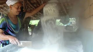 VIDA NA ROÇA - Produção Artesanal de  FARINHA, TAPIOCA (BEIJU) - ITACAMBIRA - MG
