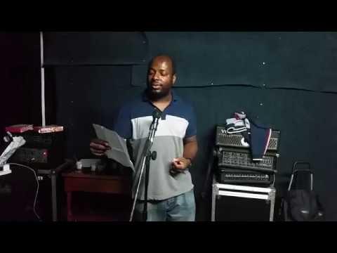 #BrokenCircle Edward Unique  performs