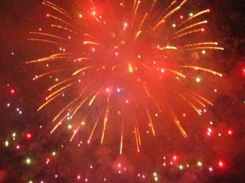 Happy 241st #America ! Love, @macys #Manhattan #Fireworks Sparkly by Peachy Deegan