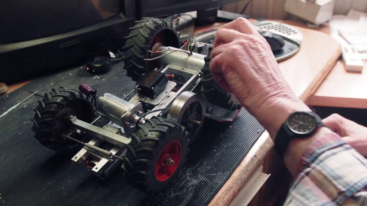 Traktor mit Magnetmotor / tractor with solenoid engine built