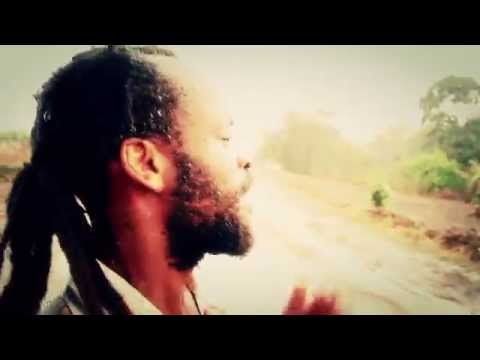 Bingi Vybz - Ndiyiwale Official Music Video (malawi-music.com)