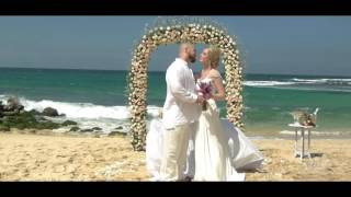 Свадьба на Бали. Свадебная церемония у океана на пляже с белым песком - в MIX Bali Events