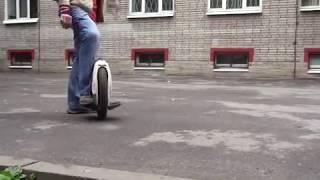 Solowheel Xtreme first steps (Russia)/ Самообучение езде на моноколесе (Первые 30 минут)