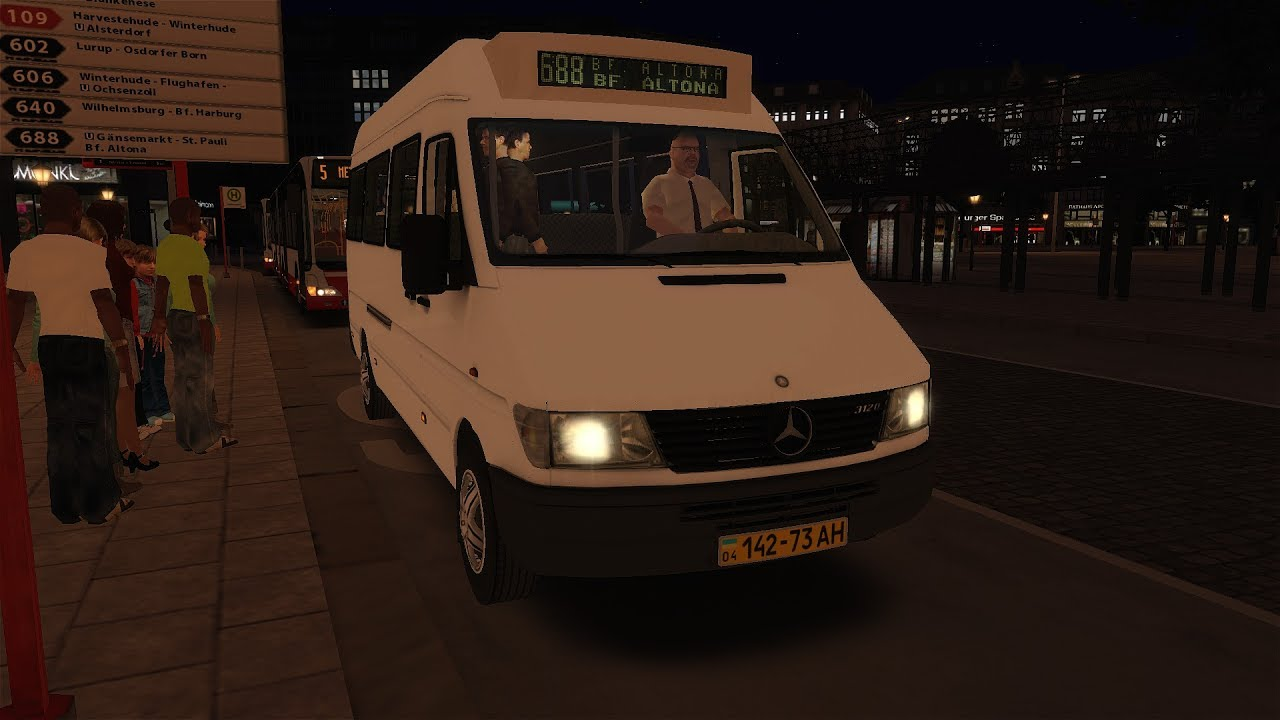 Neue matrix alter bus mercedes benz sprinter hamburg for Benz hamburg