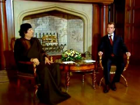 COLONEL Gaddafi's 1st trip to MOSCOW since SOVIET ERA [ARCHIVE VIDEO]  معمر القذافي
