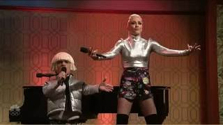 Peter Dinklage & Gwen Stefani - Space Pants *****