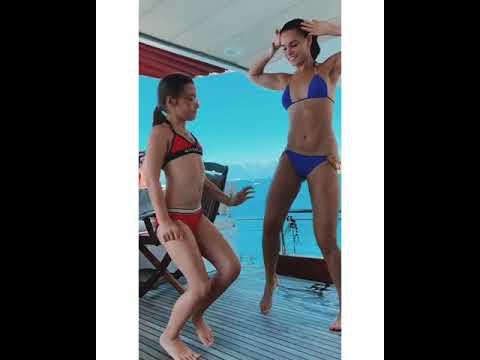 8-летняя дочь Светланы Лободы зажигательно танцует в купальнике на яхте